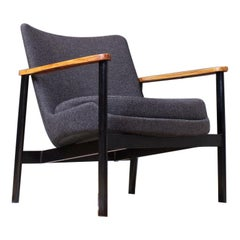 Ib Kofod Larsen Lounge Chair in Grey Fabric, Beech and Black Metal 1972 Fröscher