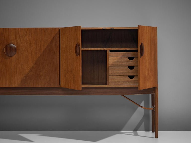 Mid-20th Century Ib Kofod-Larsen Model 4060 Sideboard for G-Plan For Sale