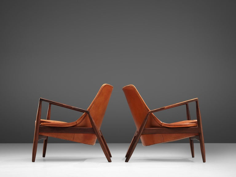 Ib Kofod-Larsen Pair of 'Seal' Chairs in Original Leather For Sale 4
