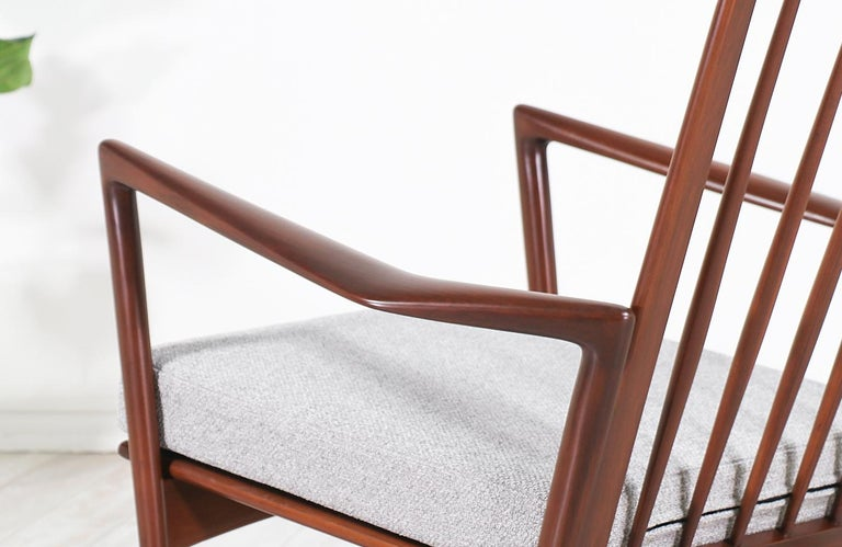 Ib Kofod-Larsen Sculpted Rocking Chair for Selig 1