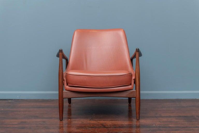 Mid-Century Modern Ib Kofod-Larsen Seal Chair for OPE, Denmark For Sale