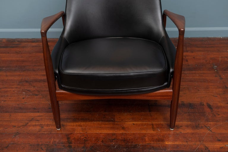 Scandinavian Modern Ib Kofod-Larsen Seal Chair For Sale