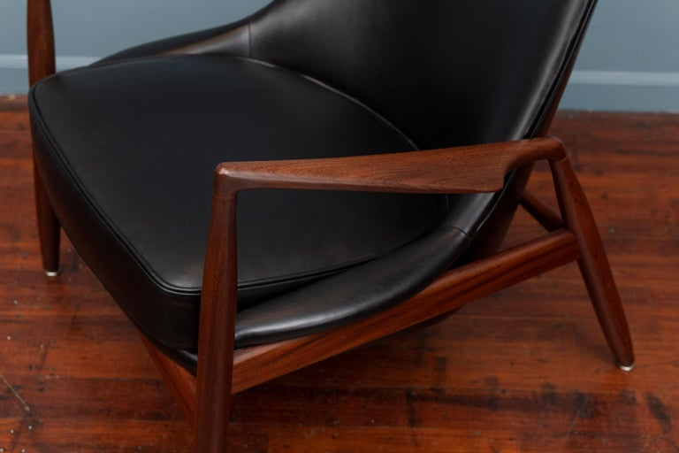 Danish Ib Kofod-Larsen Seal Chair For Sale