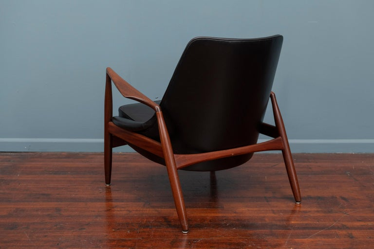 Teak Ib Kofod-Larsen Seal Chair For Sale