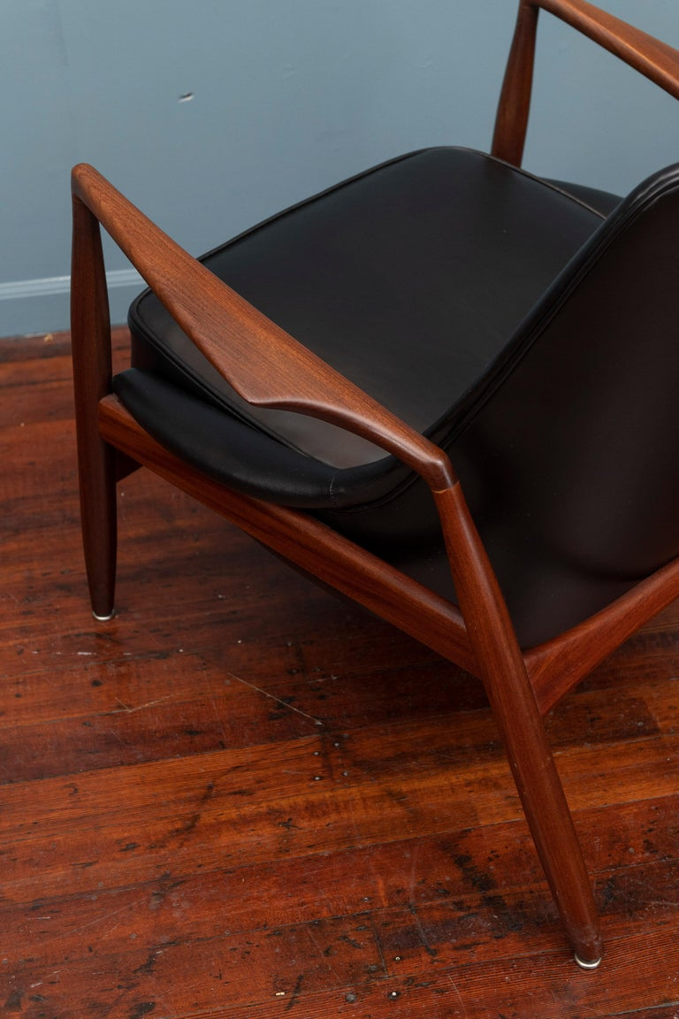 Ib Kofod-Larsen Seal Chair For Sale 1