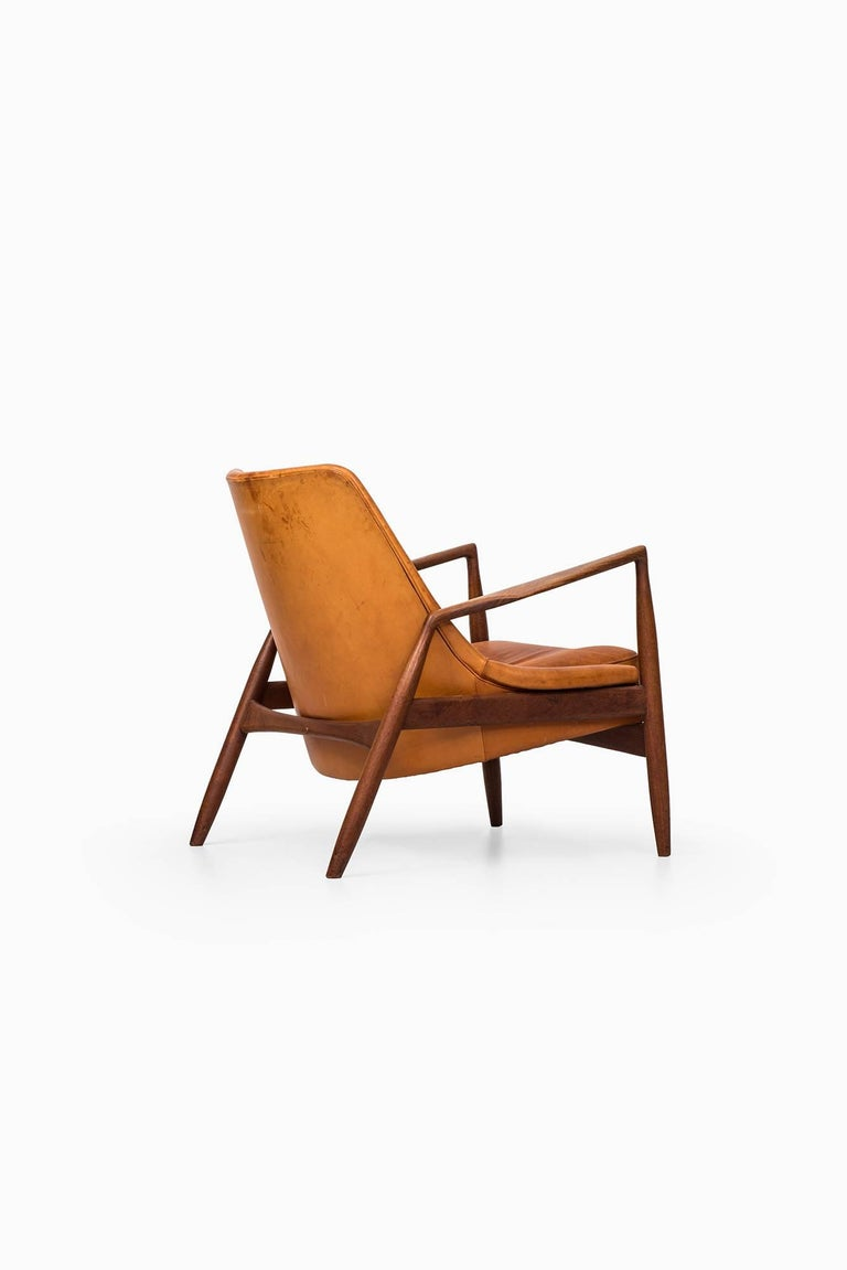 Ib Kofod-Larsen Seal Easy Chair by OPE in Sweden For Sale 3