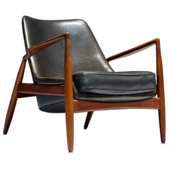 Ib Kofod-Larsen 'Seal'/' Sälen' Lounge Chair in Leather and Teak, Sweden, 1950's
