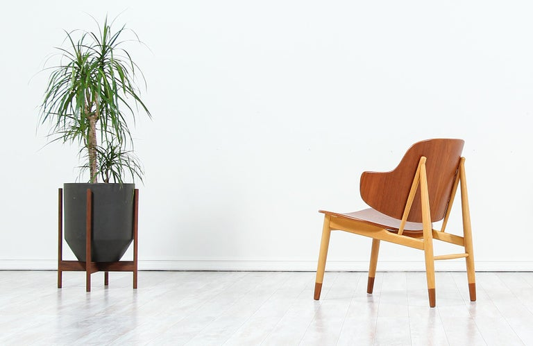 Ib Kofod-Larsen Shell Chair for Christiansen & Larsen In Excellent Condition For Sale In Los Angeles, CA