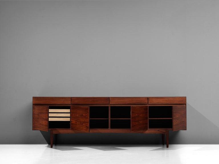 Ib Kofod-Larsen Sideboard in Brasilian Hardwood In Good Condition For Sale In Waalwijk, NL