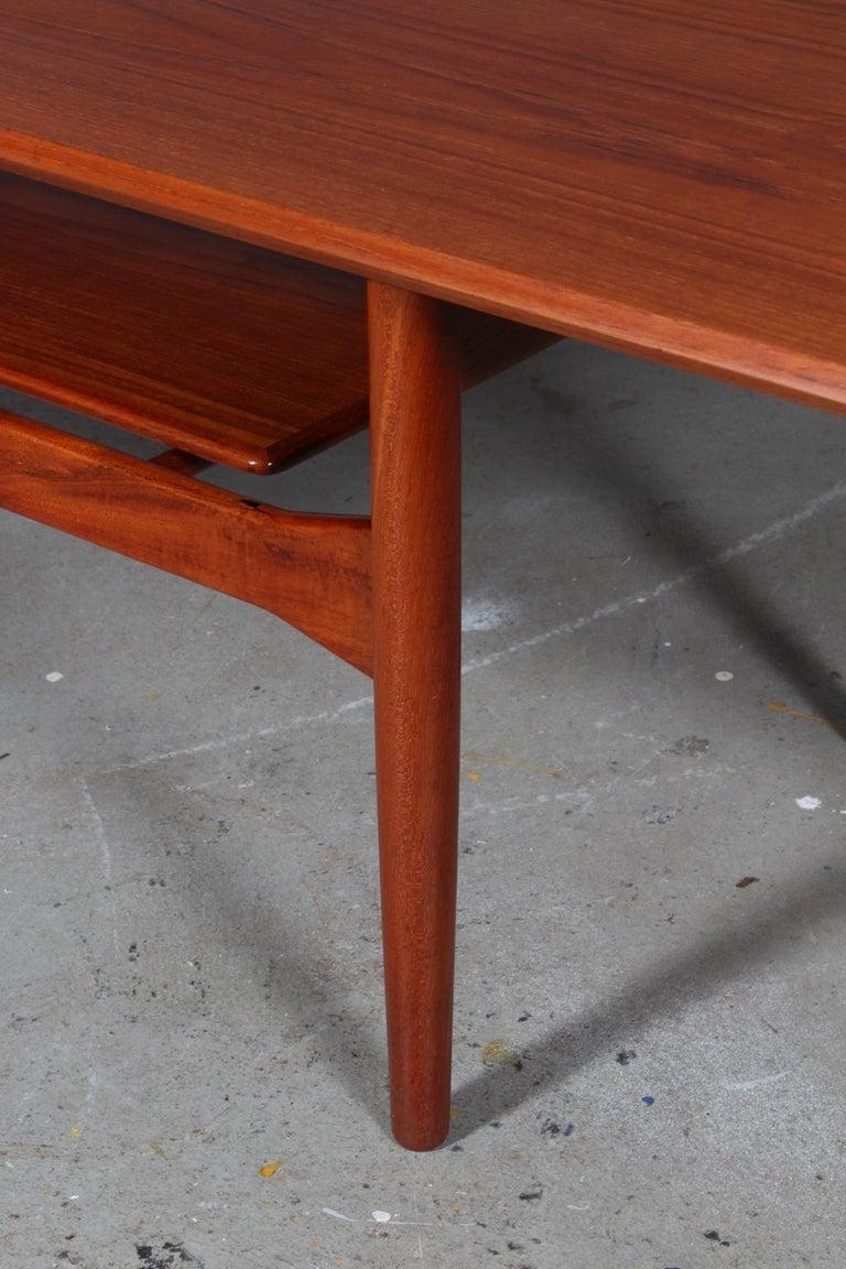 Ib Kofod-Larsen Sofa Table, Teak In Excellent Condition In Esbjerg, DK