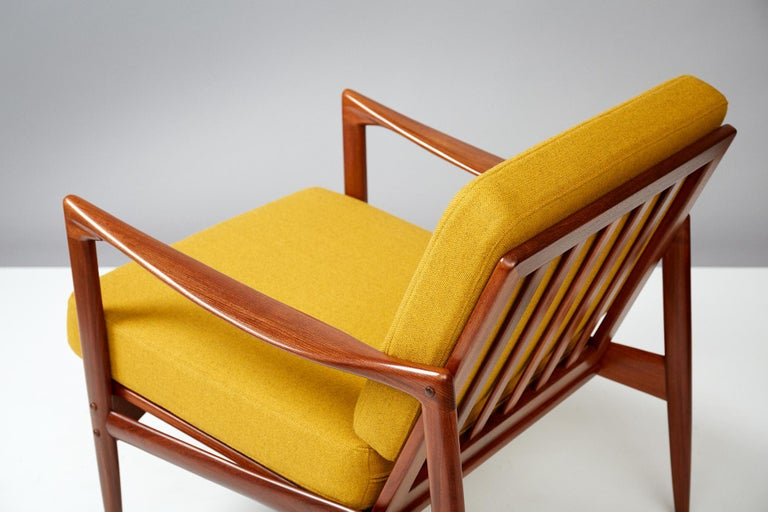 Ib Kofod-Larsen Teak Candidate Chair, circa 1960 In Excellent Condition For Sale In London, GB