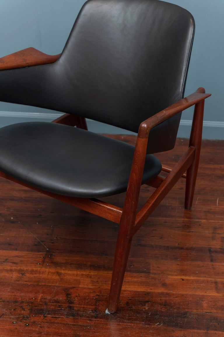 Scandinavian Modern Ib Kofod-Larsen Teak Lounge Chair for Christensen & Larsen For Sale