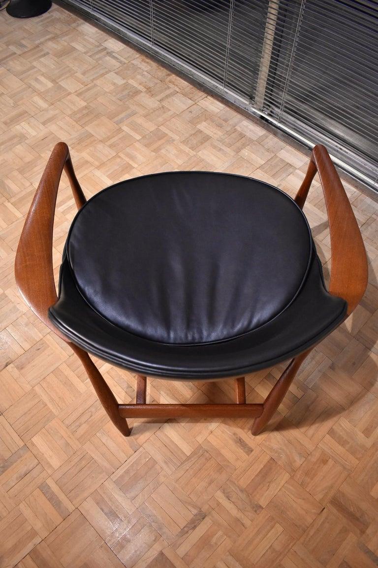 Ib Kofod-Larsen U-56 Elizabeth Chair for Christensen & Larsen For Sale 1