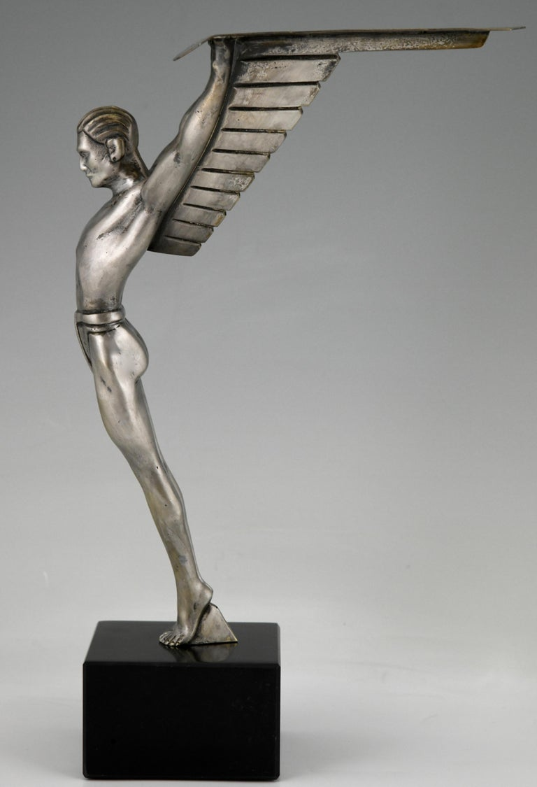 Icarus Art Deco Bronze Sculpture of a Winged Athlete Style of Schmidt Hofer In Good Condition For Sale In Antwerp, BE