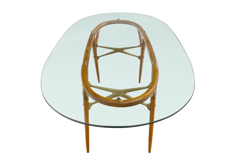 Mid-Century Modern Italian Walnut and Brass Dining Table, Italy, style of Ico Parisi, circa 1955 For Sale