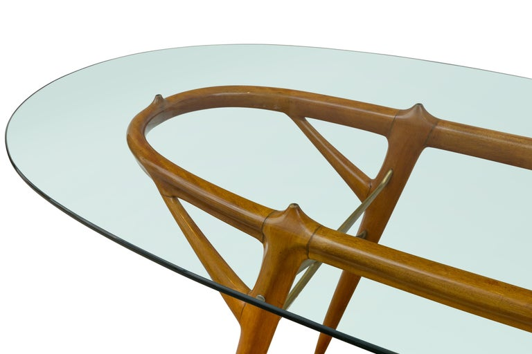Italian Walnut and Brass Dining Table, Italy, style of Ico Parisi, circa 1955 In Good Condition For Sale In New York, NY