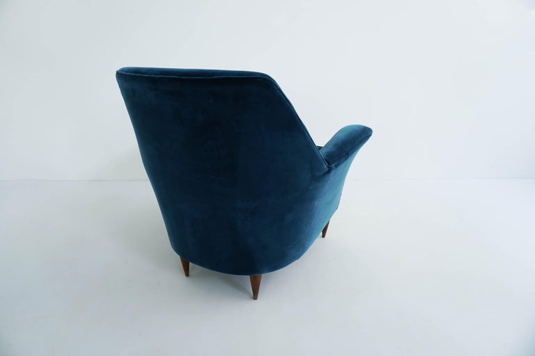 Upholstery Ico Parisi Lounge Chairs in Blue Lagoon Velvet For Sale