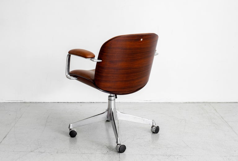Ico Parisi Office Chair, Brown Leather In Good Condition For Sale In Los Angeles, CA