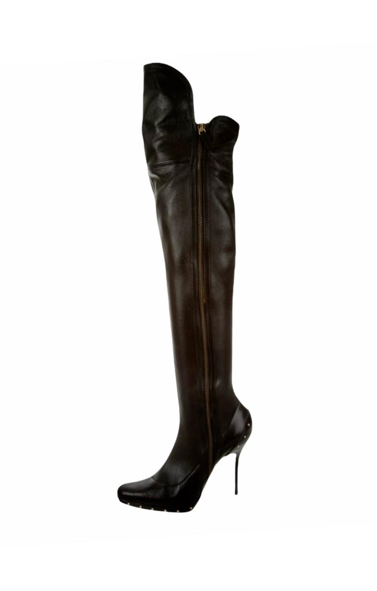 ICON Gucci by Tom Ford Black Studded OTK Boots 2003 In Good Condition For Sale In Switzerland, CH