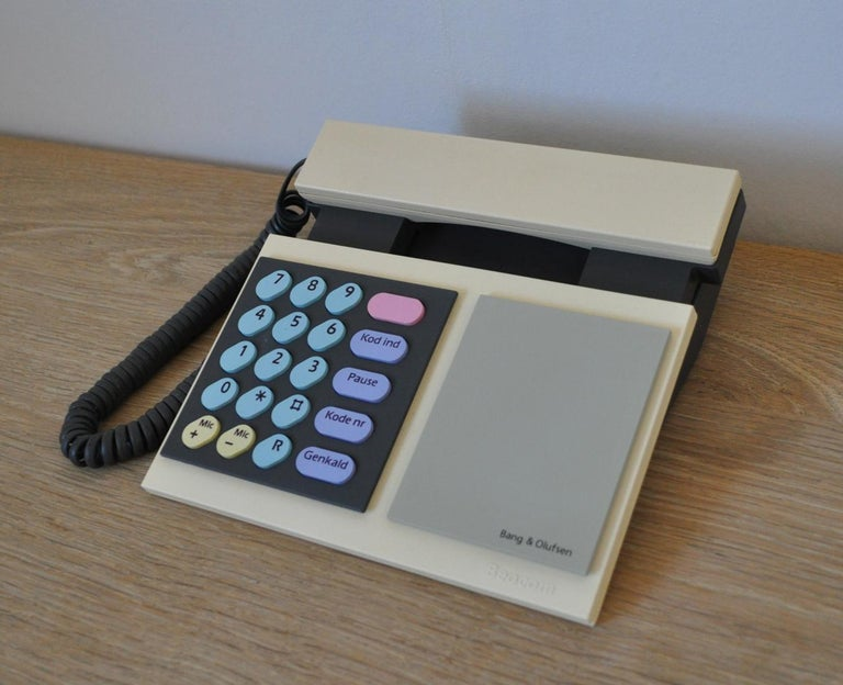Beocom 1000 telephone from 1986 by Bang & Olusfen.