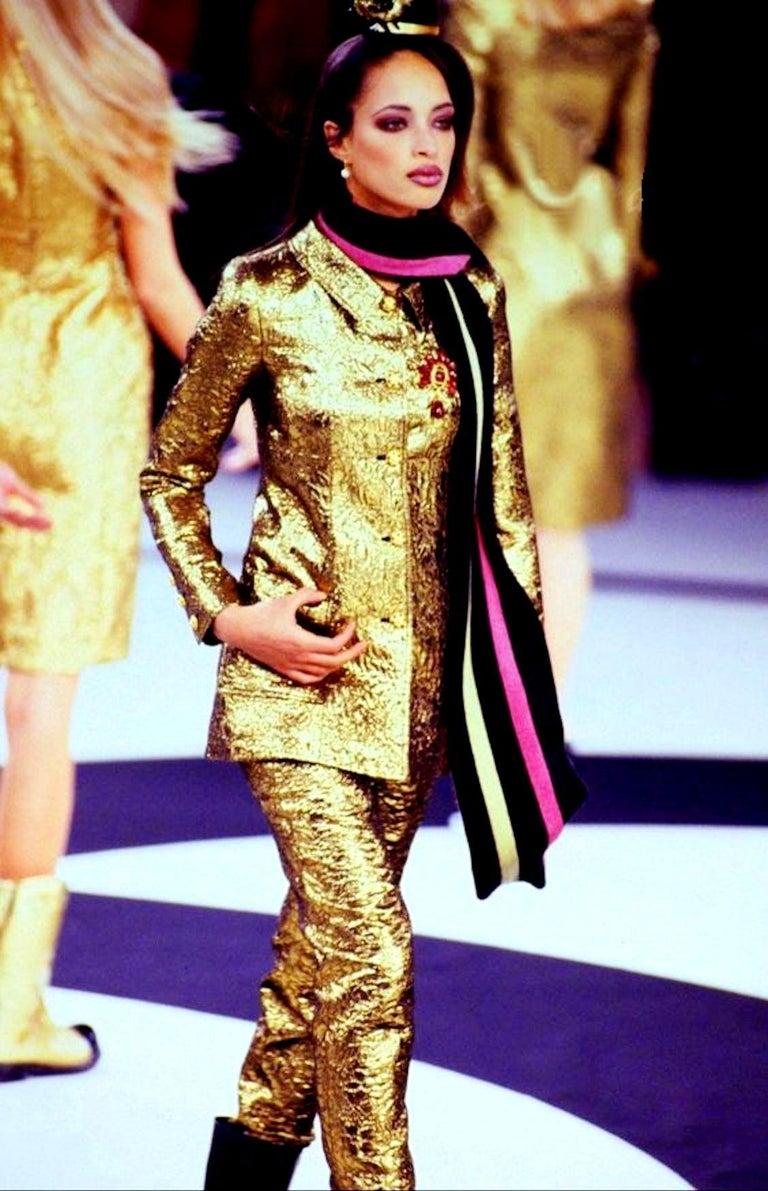 NEW Chanel Iconic Golden Metallic 3D Structured Jacket Blazer For Sale 3