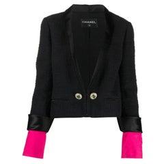 Iconic Chanel Paris-Bombay Metiers d Art Autumn 2012 Black Cotton Boucle Jacket