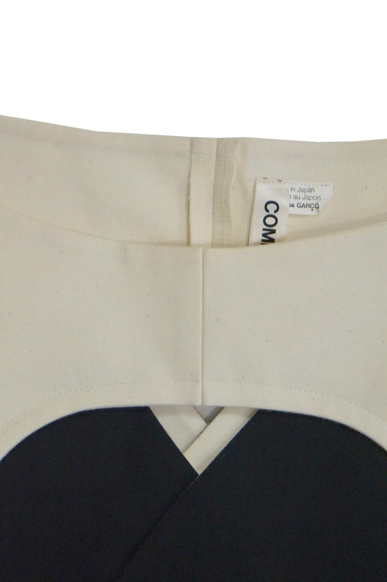 Iconic Comme des Garçons Black and White Flat Pack Runway Dress 2014 In Excellent Condition For Sale In Houston, TX