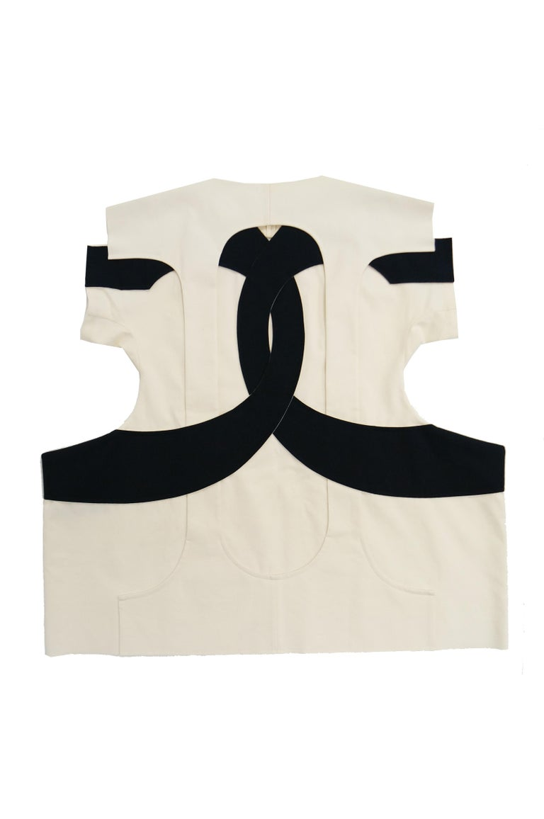 Iconic Comme des Garçons Black and White Flat Pack Runway Dress 2014 For Sale 1