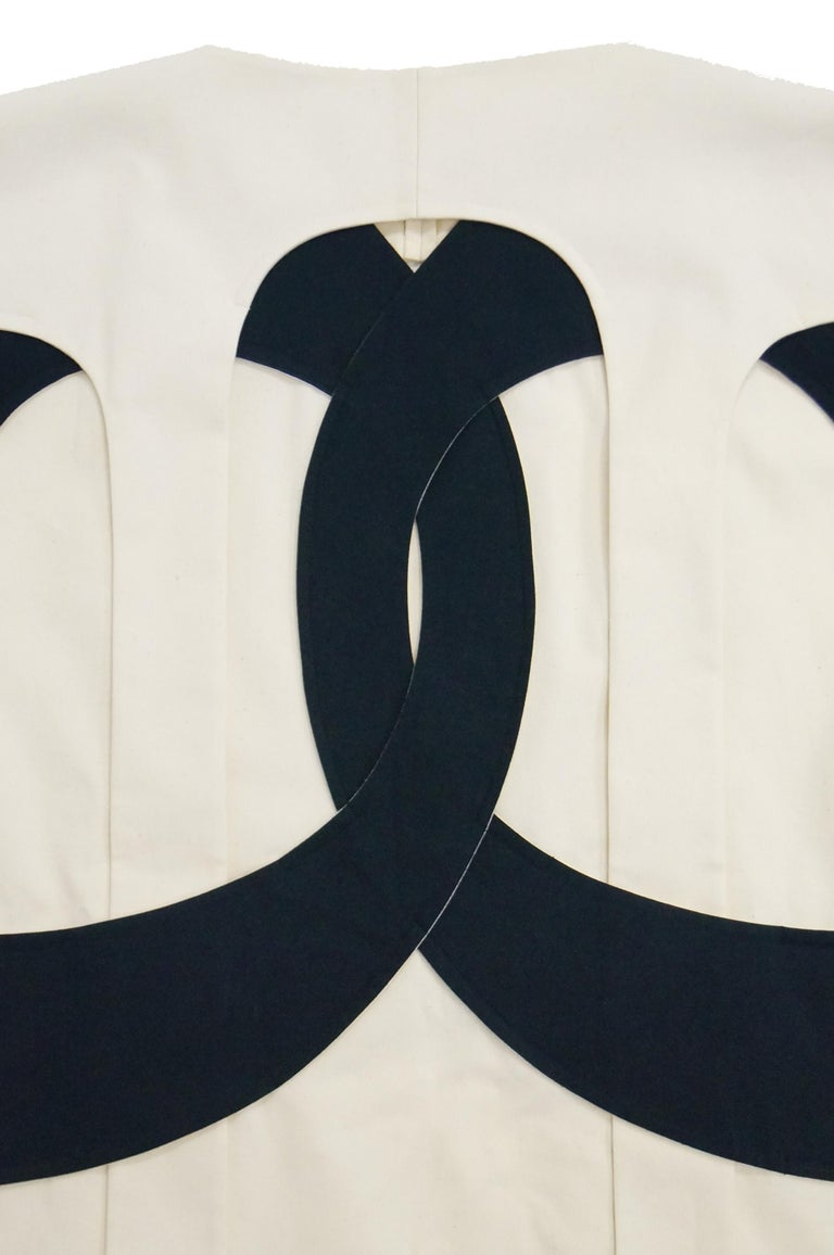 Iconic Comme des Garçons Black and White Flat Pack Runway Dress 2014 For Sale 2