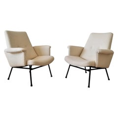 Iconic Creme Bouclette SK660 Armchairs by Pierre Guariche, France, 1960s