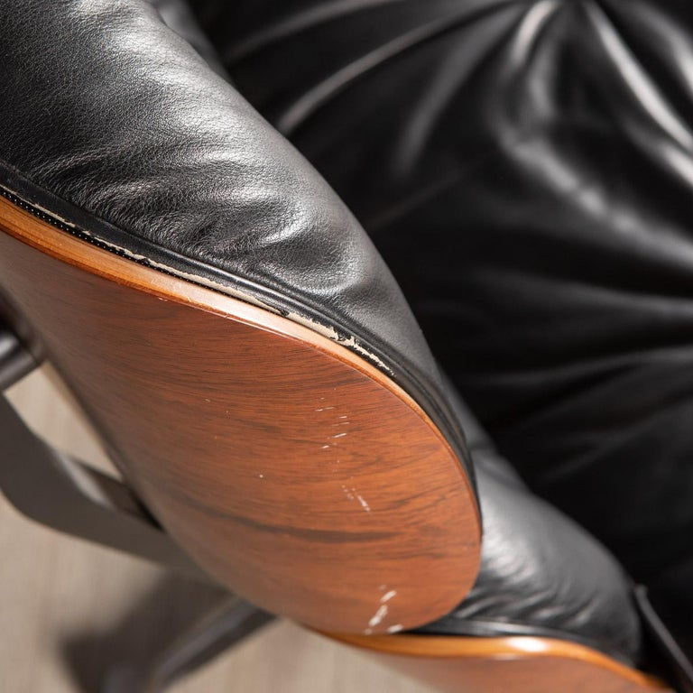 Iconic Eames Black Leather Lounge Chair by Vitra, C.1980 For Sale 6