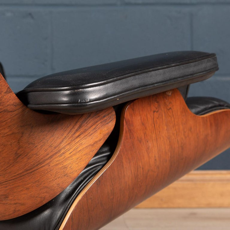 Iconic Eames Black Leather Lounge Chair by Vitra, C.1980 For Sale 14