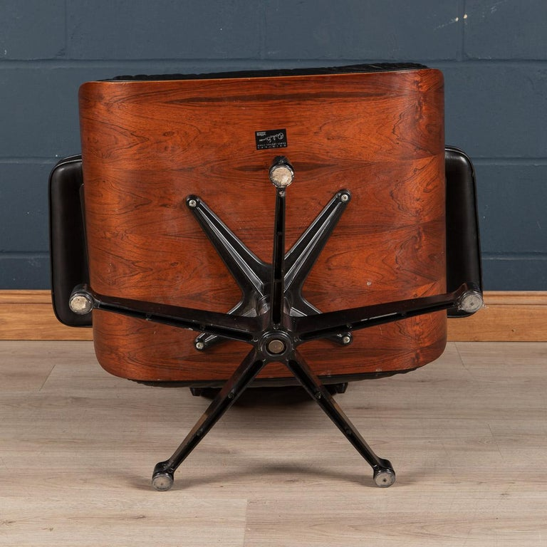 Iconic Eames Black Leather Lounge Chair by Vitra, C.1980 For Sale 3