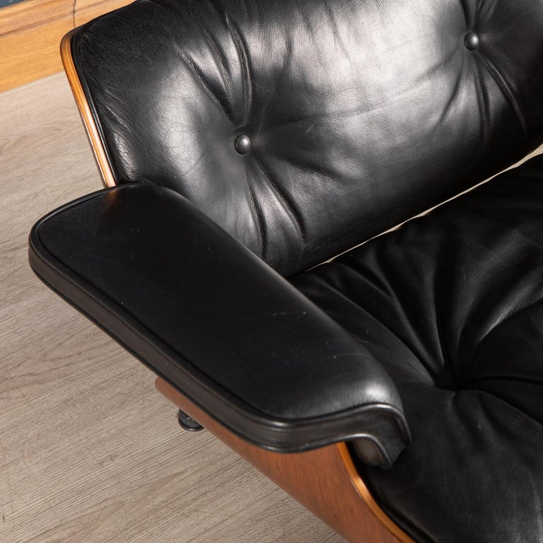 Iconic Eames Black Leather Lounge Chair by Vitra, C.1980 For Sale 4