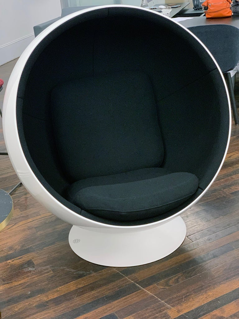 Fabric Iconic Eero Aarnio Black and White Swivel Ball Lounge Chair For Sale