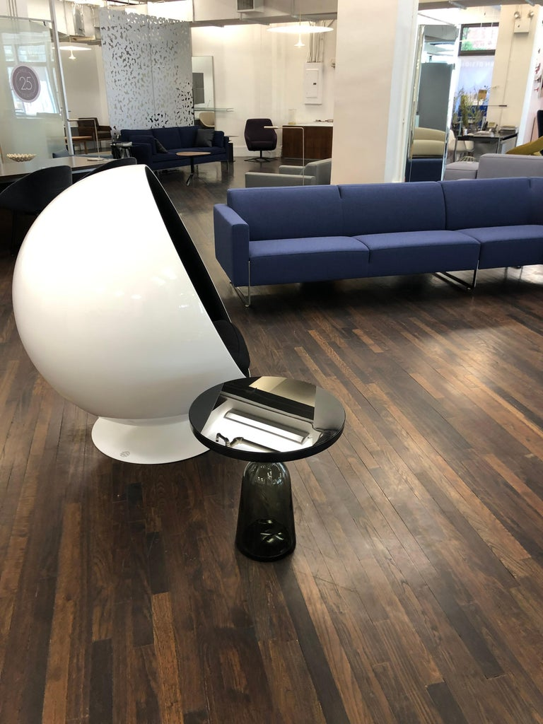 Iconic Eero Aarnio Black and White Swivel Ball Lounge Chair For Sale 1