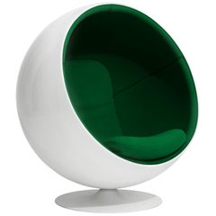 Iconic Eero Aarnio Green Swivel Ball Lounge Chair