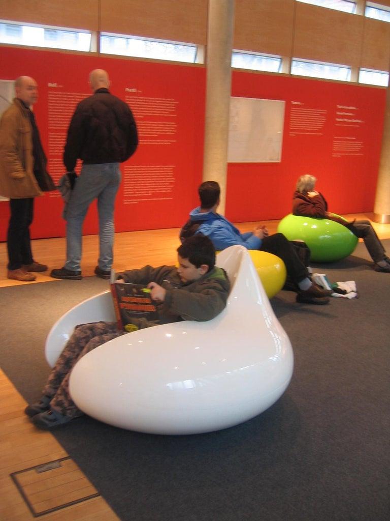 Finnish Iconic Eero Aarnio White Formula Chair For Sale