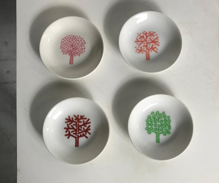 Painted Iconic Four Seasons Design Ashtrays, Set '4' NYC Restaurant by Emil Antonucci For Sale