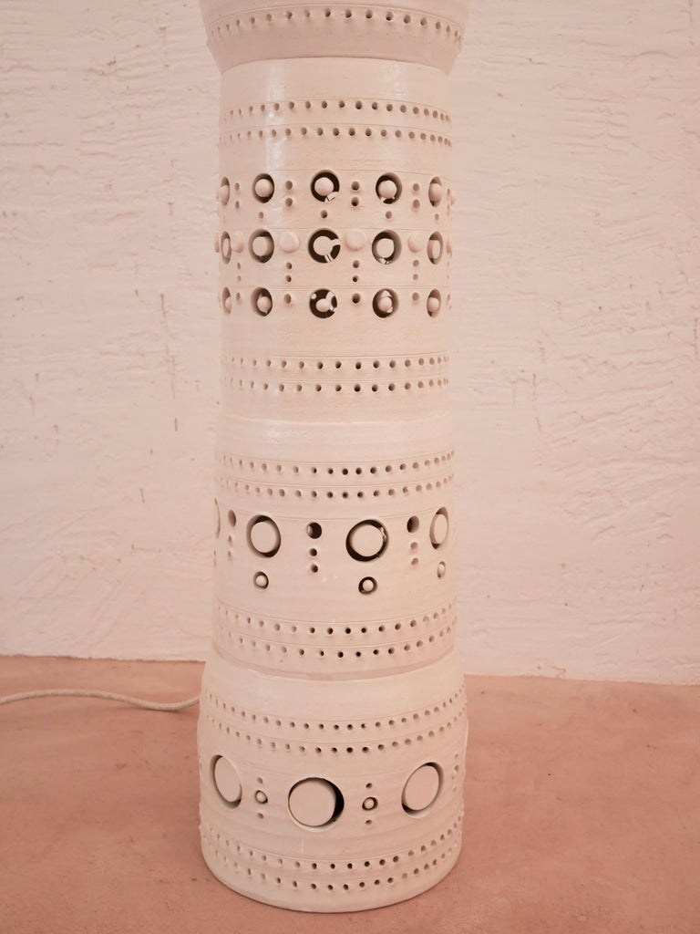 French Iconic Georges Pelletier TOTEM Floor Lamp in White Enameled Ceramic For Sale