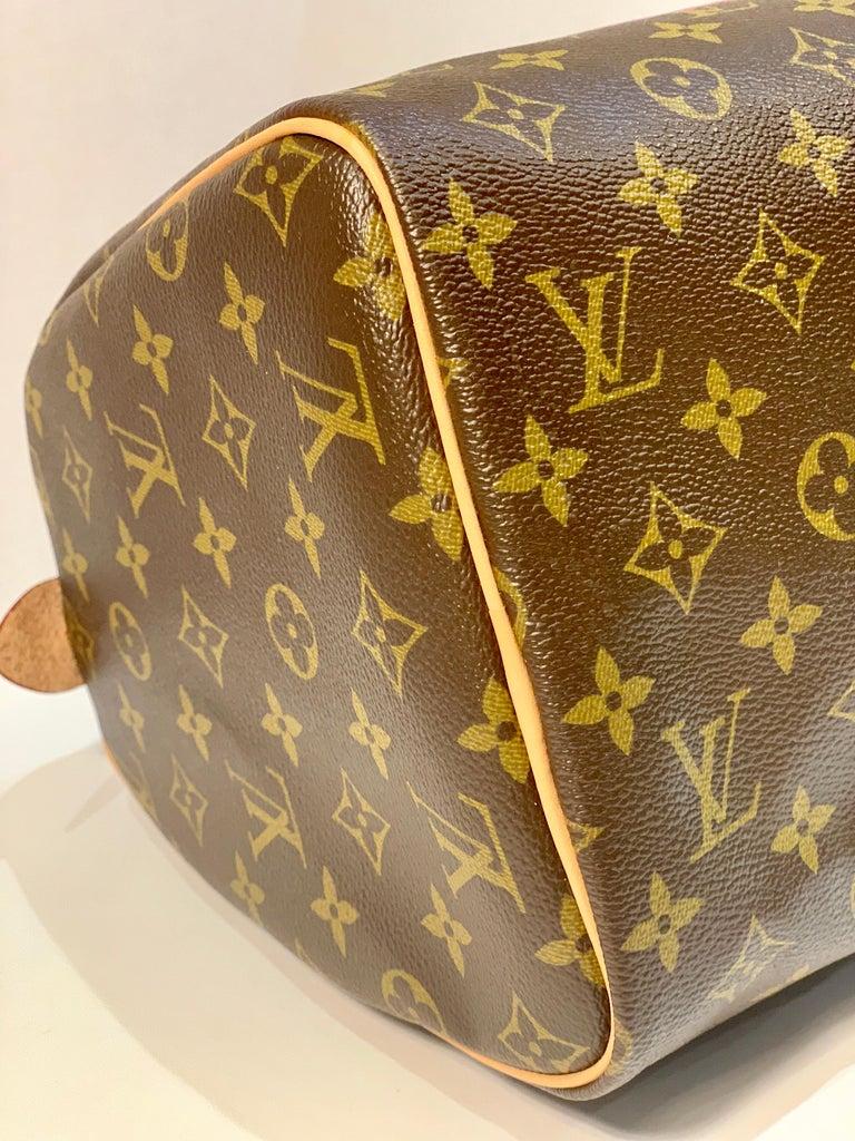 Iconic Louis Vuitton Speedy 30 Handbag Limited Edition Grenade V Monogram Canvas For Sale 5