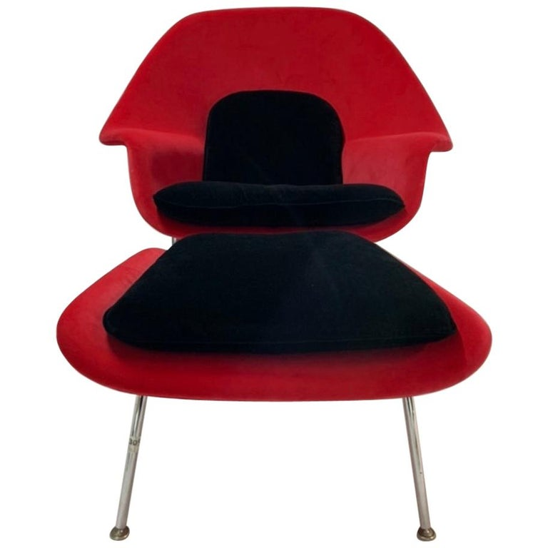Iconic Mid-Century Modern Knoll Womb Chair and Ottoman