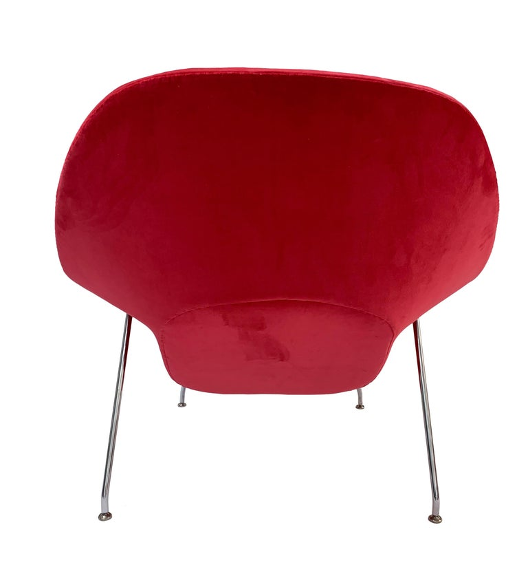 Iconic Mid-Century Modern Knoll Womb Chair and Ottoman In Good Condition In San Antonio, TX