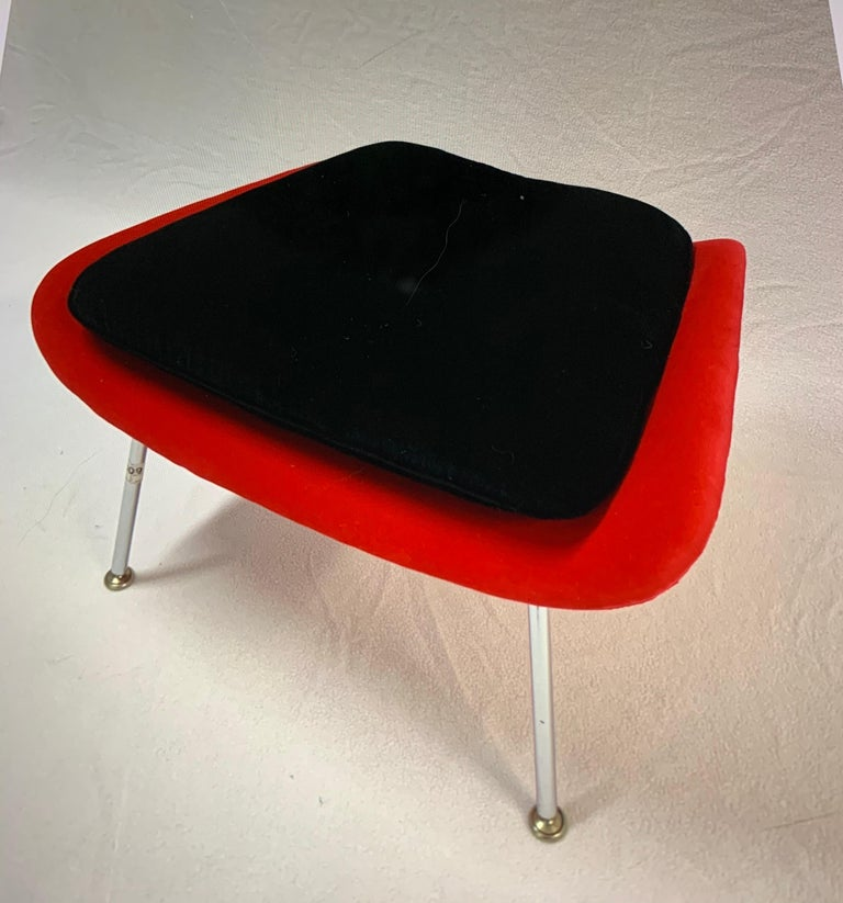 Iconic Mid-Century Modern Knoll Womb Chair and Ottoman 1