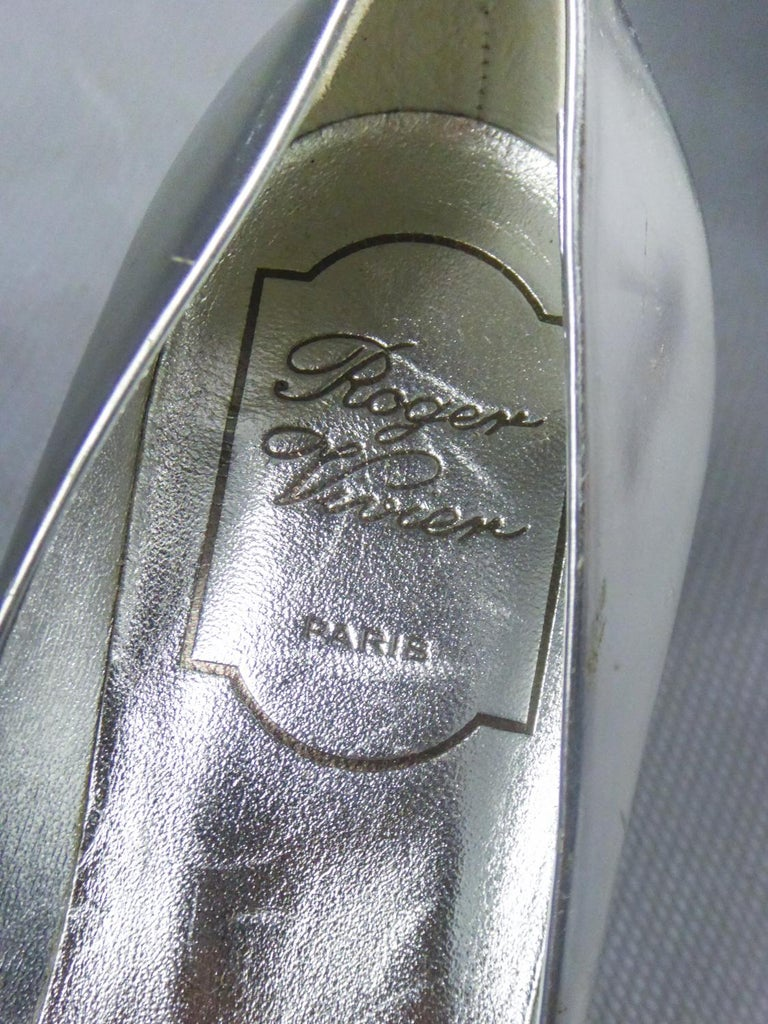 Iconic Pair of Roger Vivier Pumps with Virgule Heel Circa 1980 For Sale 5
