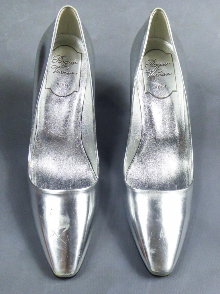 Gray Iconic Pair of Roger Vivier Pumps with Virgule Heel Circa 1980 For Sale