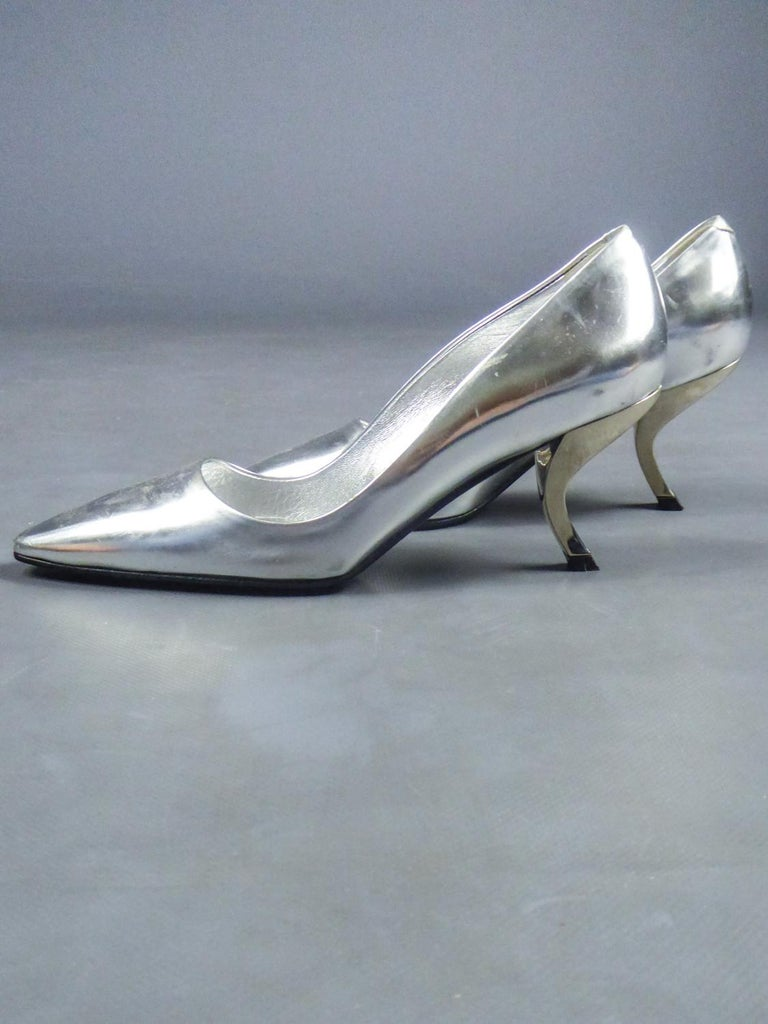 Women's Iconic Pair of Roger Vivier Pumps with Virgule Heel Circa 1980 For Sale