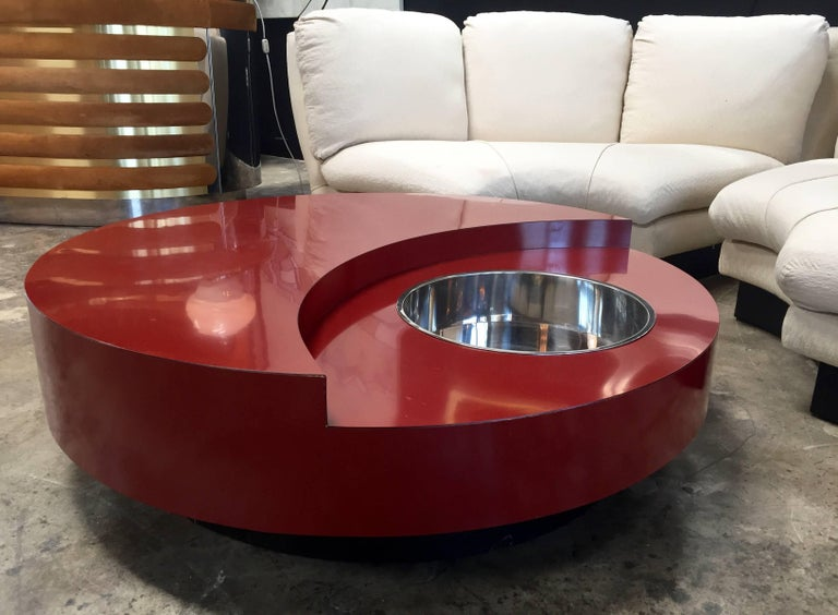 Iconic round red coffee table by Willy Rizzo, Italy, 1970s lacquered red with the box in chrome steel.