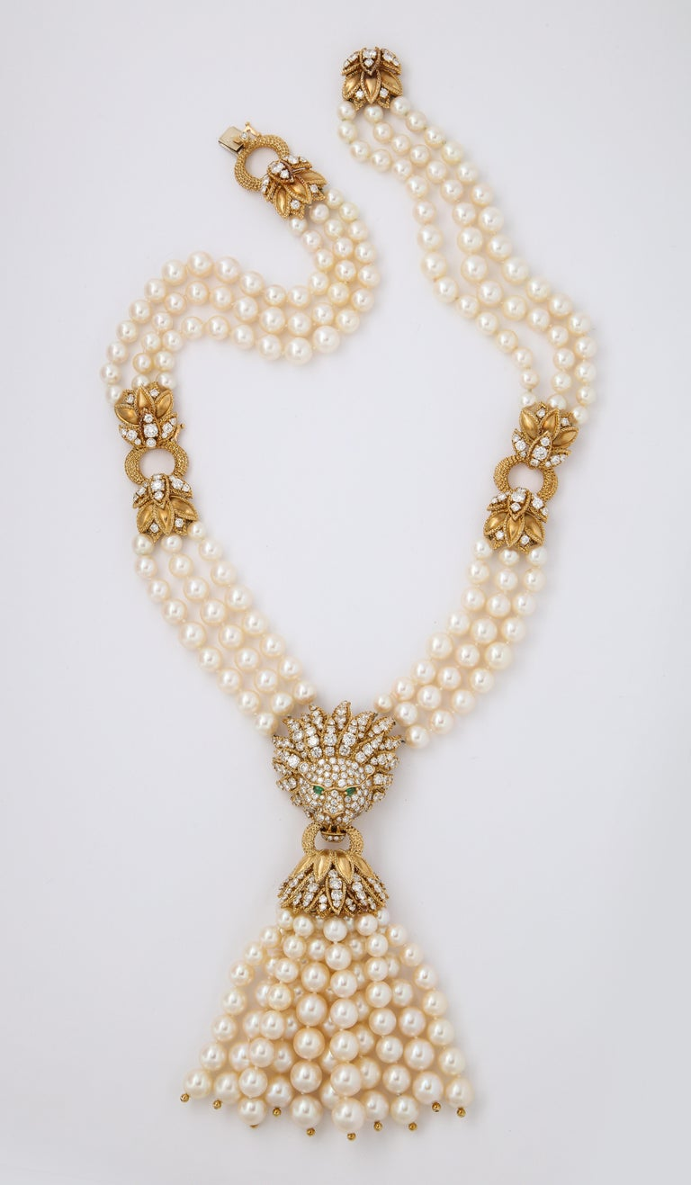 Bead Iconic Van Cleef & Arpels Pearl and Diamond Lion Tassel Necklace For Sale