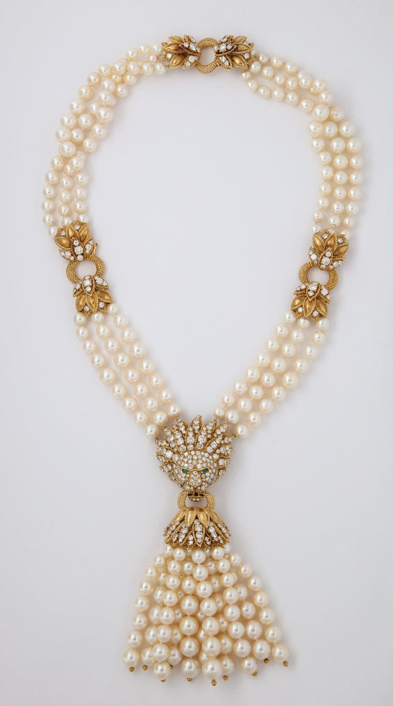 Iconic Van Cleef & Arpels Pearl and Diamond Lion Tassel Necklace In Excellent Condition For Sale In New York, NY